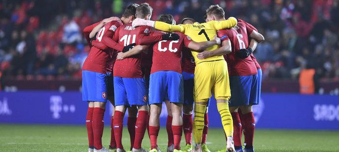 Týmové objetí v podání české fotbalové reprezentace