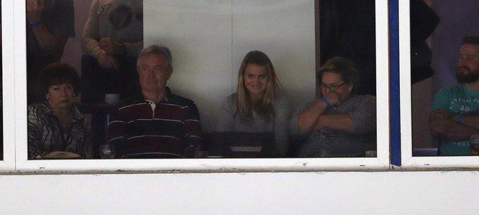Tomáši Plekancovi fandila na tribuně při návratu do Kladna jeho přítelkyně Lucie Šafářová i s maminkou Květou