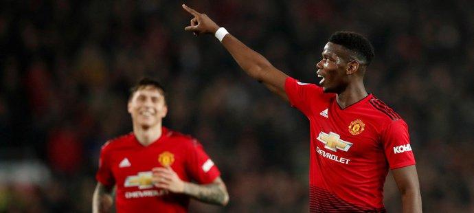 Záložník Manchesteru United Paul Pogba slaví svou druhou trefu v zápase a vedení 3:0