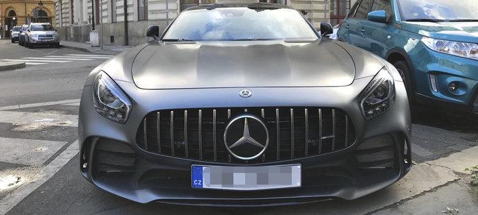 Ještě nezničený Mercedes AMG GT R stopera Sparty Kayi