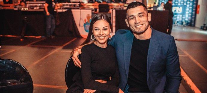 Machmud Muradov s partnerkou Monikou Bagárovou