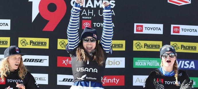 Eva Samková slaví svůj triumf na stupních vítězů