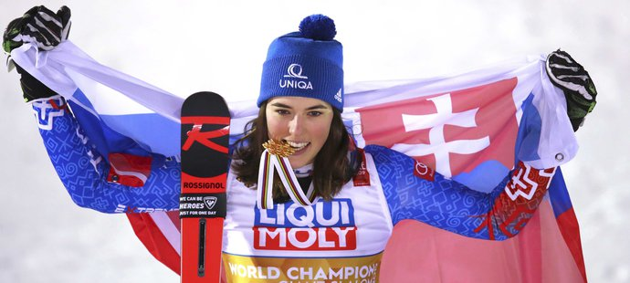 Petra Vlhová slaví historické zlato pro slovenské sjezdové lyžování