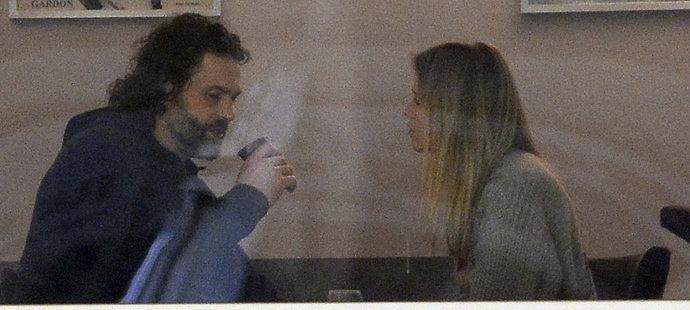 Jaromír Jágr si během pozápasového rande s Veronikou vychutnával kafíčko