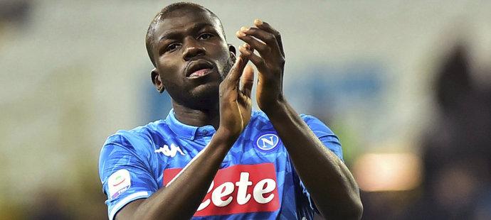 Obránce Neapole Kalidou Koulibaly by v létě mohl zamířit do Manchesteru United