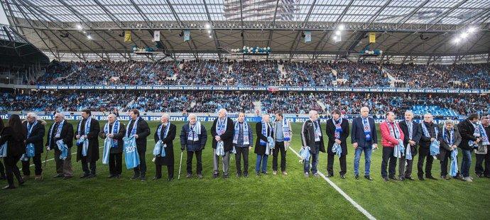 Slovan před zápasem ocenil na Tehelném poli klubové legendy minulosti