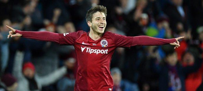 Michal Sáček se raduje ze své první ligové trefy v dresu Sparty