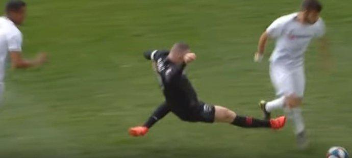 Wayne Rooney se prezentoval jako zlý muž, tkahle v MLS fauloval Rossiho