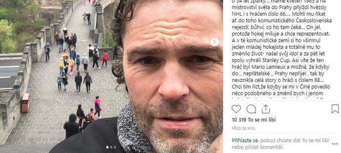 Jágrovo selfie z Velké čínské zdi a vyjádření ke kritice jeho cesty...