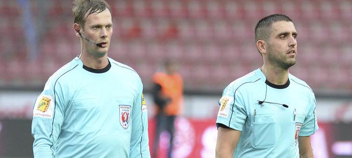 Fotbalový rozhodčí Petr Antoníček, jehož ve středu po finále Mol Cupu mezi Slavií a Baníkem napadli ostravští fanoušci.