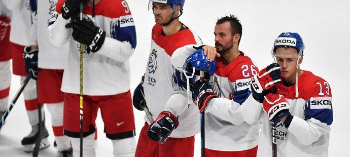 Zlatý sen z Bratislavy českým hokejistům skončil, nyní se musí soustředit na boj o bronz proti Rusku