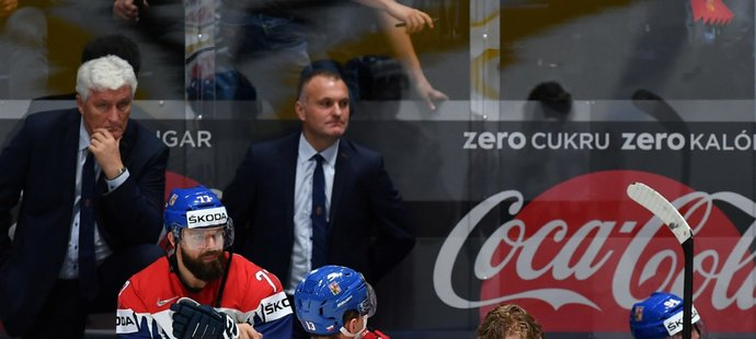 Zklamaný kapitán českého týmu Voráček, který nedokázal dovést své spoluhráče k medaili