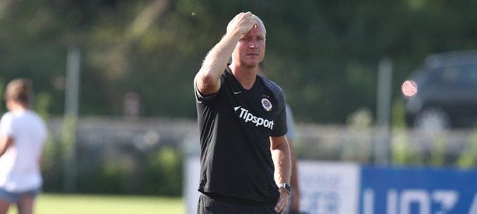 Nový trenér Sparty Tomáš Jílek už cepuje tým, aby ho co nejlépe připravil na start nové sezony
