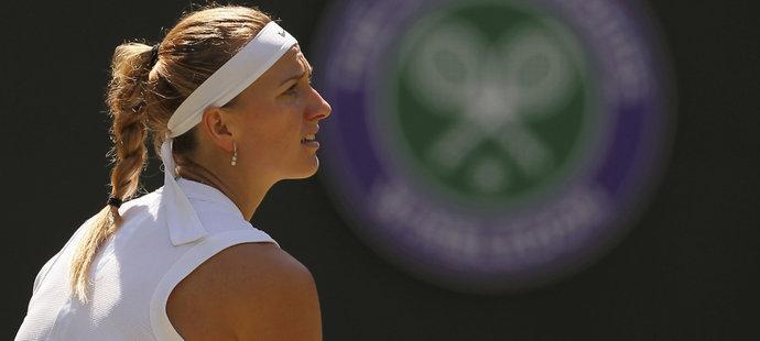 Dvojnásobná wimbledonská šampionka Kvitová během zápasu s Francouzkou Mladenovicovou