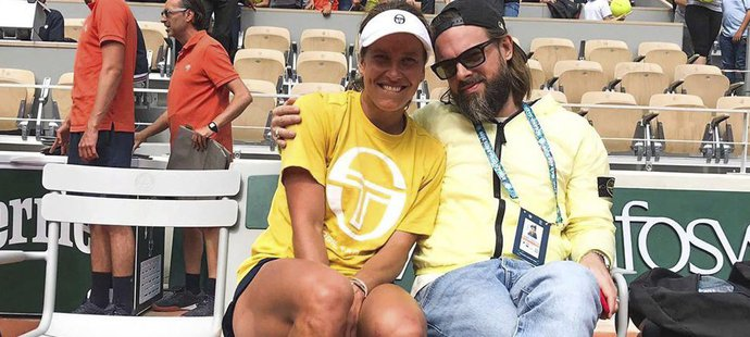 Šéfredaktor české verze časopisu Elle Petr Matějček je svojí Barboře velkou oporou. Takhel se cvakli na Roland Garros.