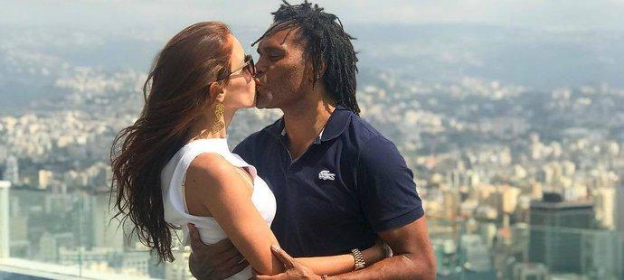 Libanonská sjezdařka Jackie Chamounová s manželem Christianem Karembeuem