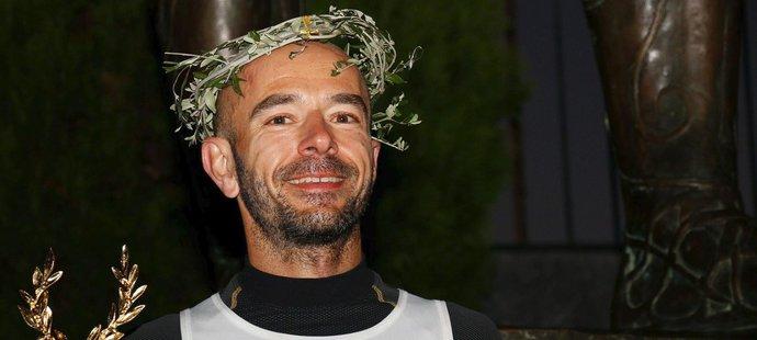 Elitní český ultramaratonec Radek Brunner na slavném závodě z Atén do Sparty už třikrát získal umístění na stupních vítězů