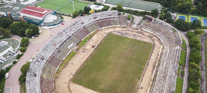 Stadion Za Lužánkami se kvůli filmování musel vyčistit