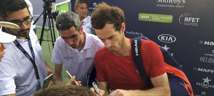 Murray hraje na podniku, který pořádá Rafael Nadal