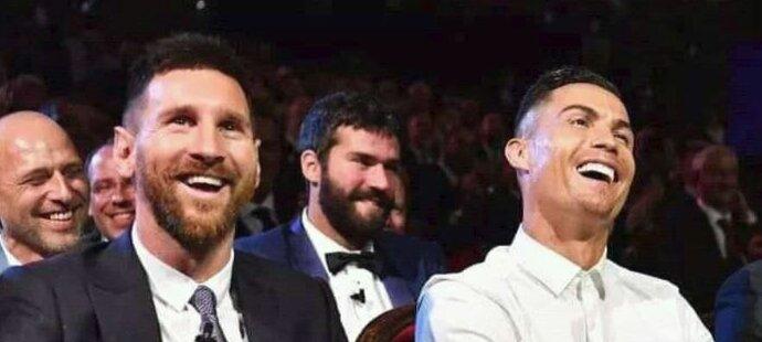 Lionel Messi a Cristiano Ronaldo na losování základních skupin Ligy mistrů