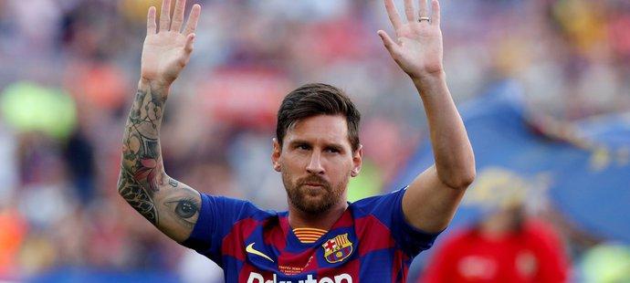 Lionel Messi zdraví fanoušky Barcelony před startem sezony 2019/2020
