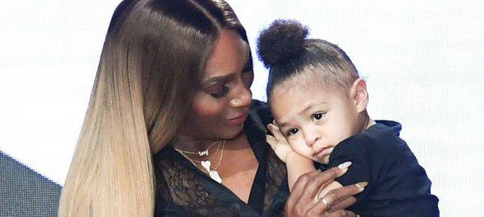Serena Williamsová se svojí dcerkou Olympií na módní přehlídce
