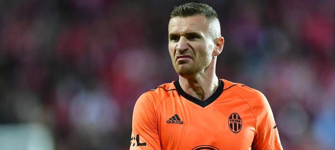 Muris Mešanovič se vrátil do Edenu, vyvolávali ho i fanoušci Slavie. V závěru pak zahodil penaltu