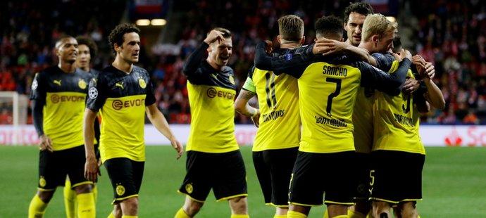 Slavia - Dortmund 0:2. Domácí naděje srazily dva Hakimiho brejky