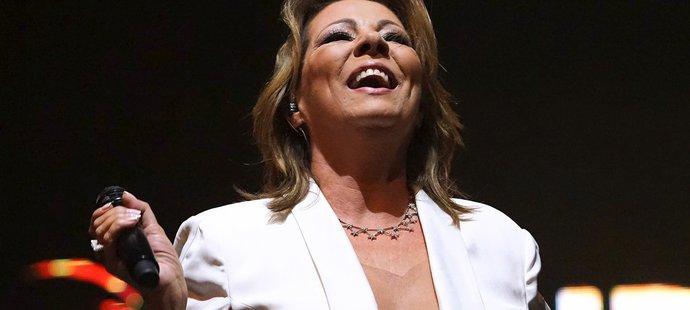 Rafinovaný kostýmek zpěvačky Sandry dostal Jágra do varu