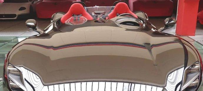 Zlatan Ibrahimovic si udělal k narozeninám radost; pořídil si majestátní Ferrari Monza SP2