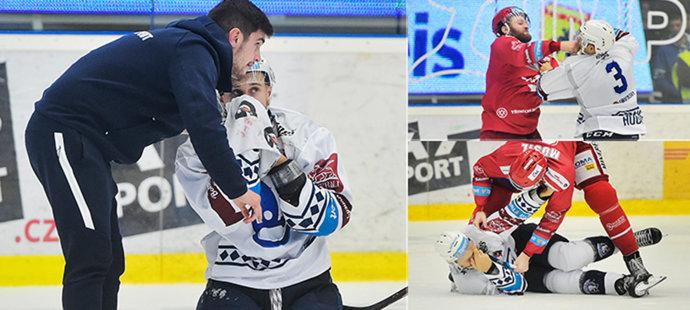 Bitka v Plzni jako z NHL! Musil rychle sundal Houdka, ten skončil v krvi