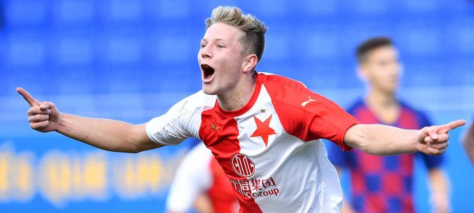 Lukáš Červ se raduje z gólu v UEFA Youth League