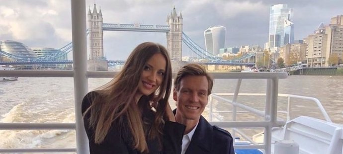 Berdych s manželkou Ester vyrazili na plavbu po Temži