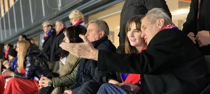 Zeman s dcerou Kateřinou na fotbalové Lize mistrů: Vyrazili na Slavii