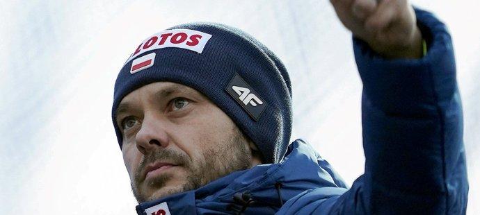 Michal Doležal cepuje polské lyžaře