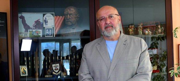 Příbramský prezident Jaroslav Starka ve své kanceláři
