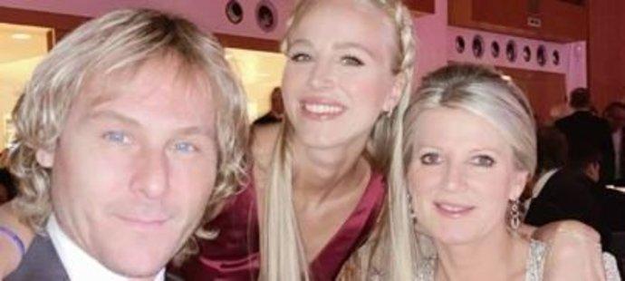 Ivana Nedvědová s tatínkem Pavlem a maminkou Ivanou