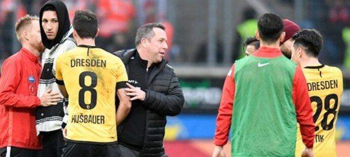 Český záložník Josef Hušbauer v utkání druhé německé bundesligy v dresu Dynama Drážďany