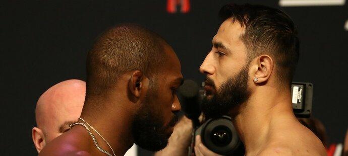 Velikán UFC Jon Jones jde do bitvy proti vyzyvatelovi Dominicku Reyesovi