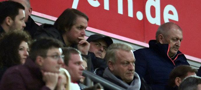 Kouč Tottenhamu José Mourinho navštívil v Mnichově utkání Bayernu s Lipskem