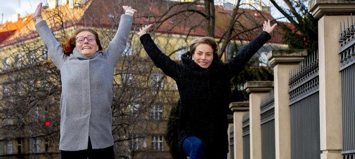 Eliška a Anežky Přibylovy vyzkoušely díky rodičům celou řadu sportů, dnes reprezentují v moderním pětiboji, resp. v lyžařském telemarku.