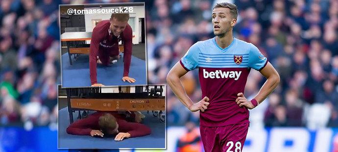 Souček se zabydluje ve West Hamu. Spoluhráč ho poslal pod stůl