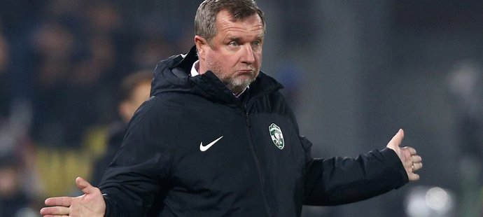 Český trenér Pavel Vrba na lavičce Ludogorce Razgrad v utkání Evropské ligy proti Interu