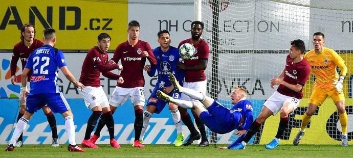 Sparta prohrála v lize potřetí v řadě, tentokrát v Olomouci 0:1