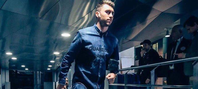 Džínové modely od Dsquared2 navržené pro Manchester City budí na sociálních sítích rozpaky