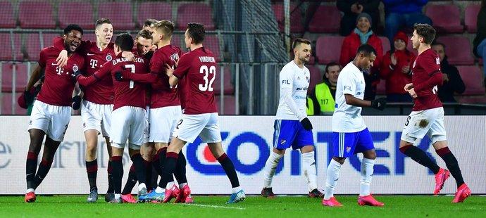 Sparta si ve čtvrtfinále MOL Cupu proti Baníku s chutí zastřílela, nasázela pět branek