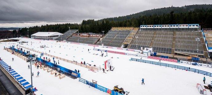 Biatlon v Novém Městě: dvanáct závodů, prázdné tribuny i rozlučka Moravce