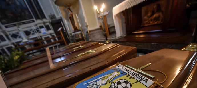 Koronavirus v Itálii: Pohřby obětí, (22.03.2020).