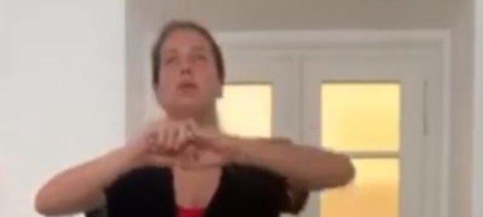 Tenistka Barbora Strýcová v době koronavirové pandemie doma nezahálí. Svůj byt proměnila v tělocvičnu