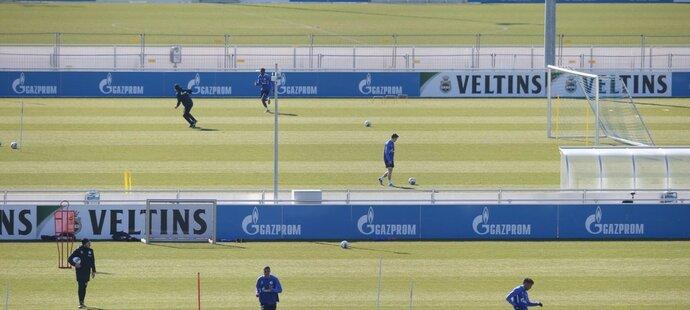 Jedno hřiště na trénink Schalke nestačilo